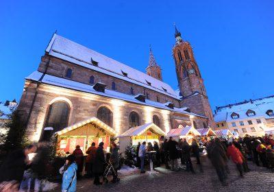 Besucher auf dem Weihnachtsmarkt